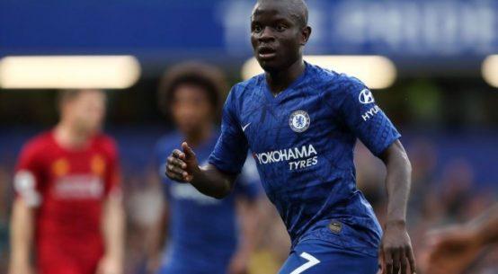 Kanté com a camisa do Chelsea (Foto: Getty Images)