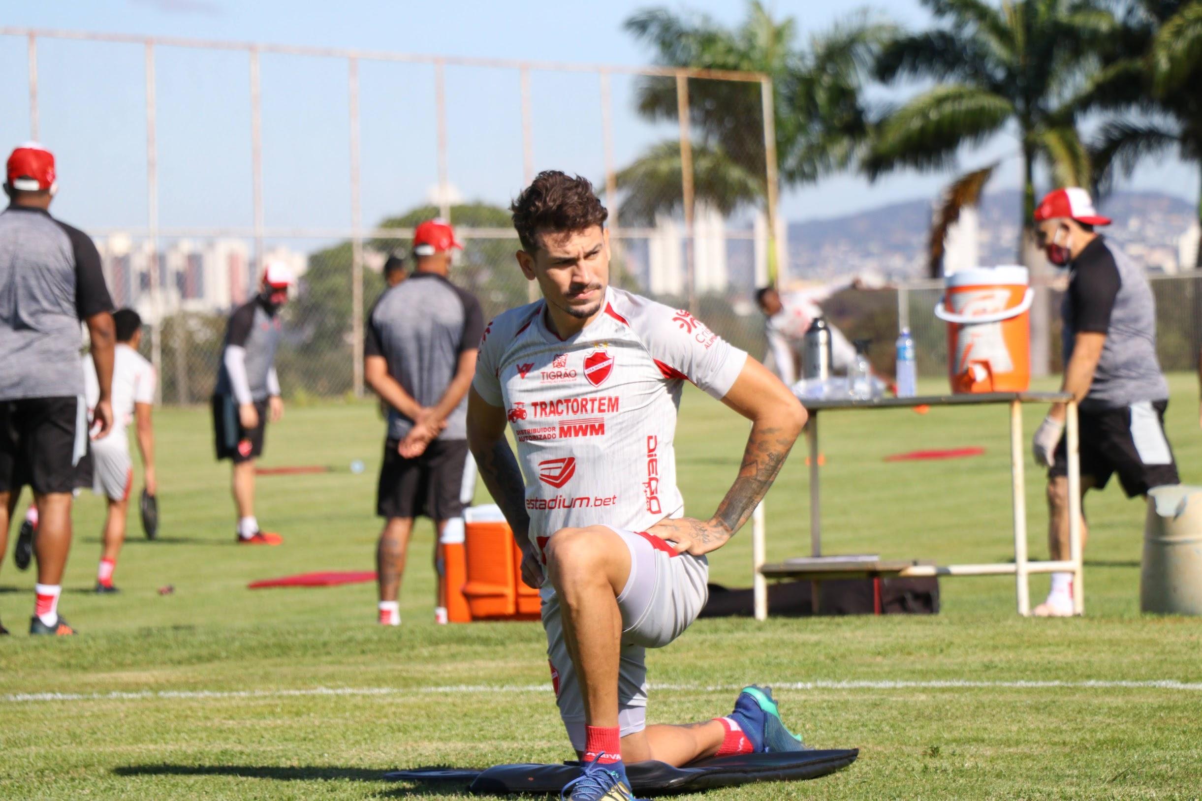 """Danrlei, do Vila Nova, fala sobre time na Série C: """"um dos favoritos"""". (Foto: divulgação/Vila Nova FC)"""