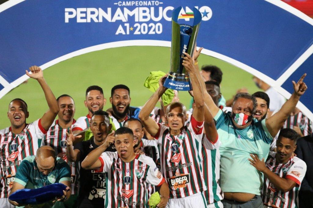 Salgueiro é campeão pernambucano pela primeira vez (Foto: Divulgação / Twitter FPF PE)