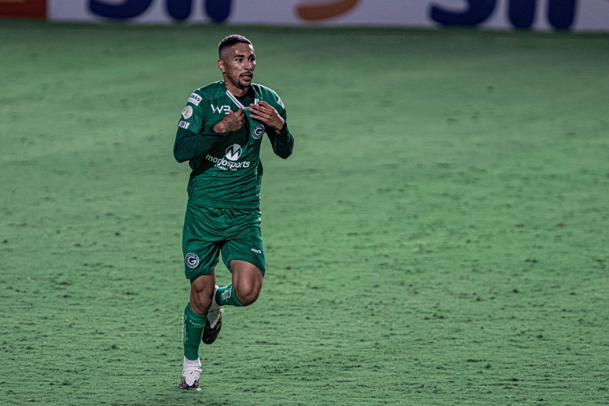 No fechar da cortina, Goiás vence o Palmeiras pelo Brasileirão