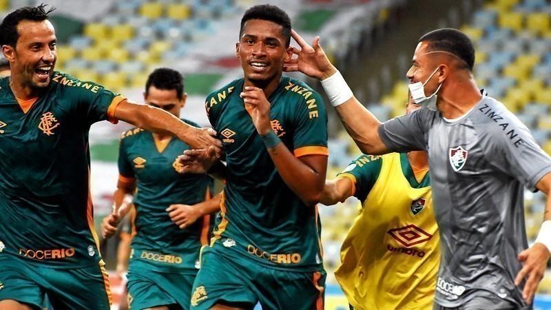 Fluminense vence o Athletico-PR