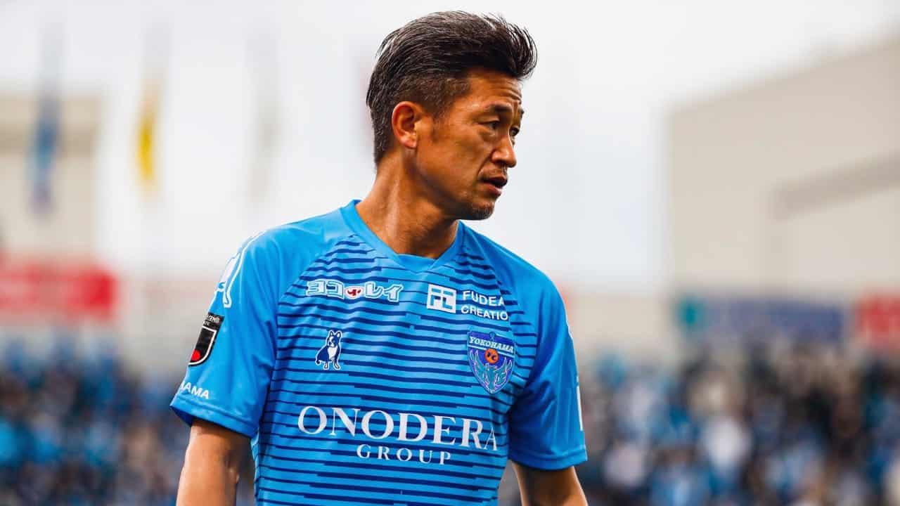 Kazuyoshi Miura renova com o Yokohama